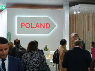 To the Polish Pavilion
