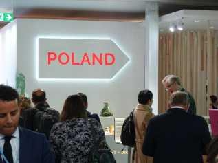 To the Polish Pavilion